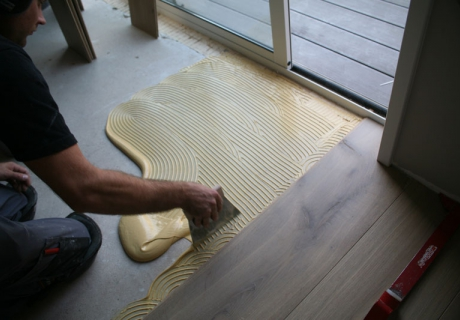 Legservice houten planken laminaat en pvc vloeren leggen